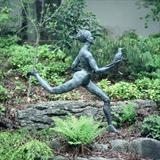 Runners gift by Janis Ridley, Sculpture, Bronze